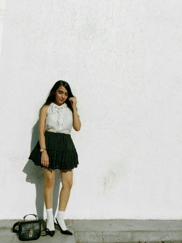 minimal style fashion blogger