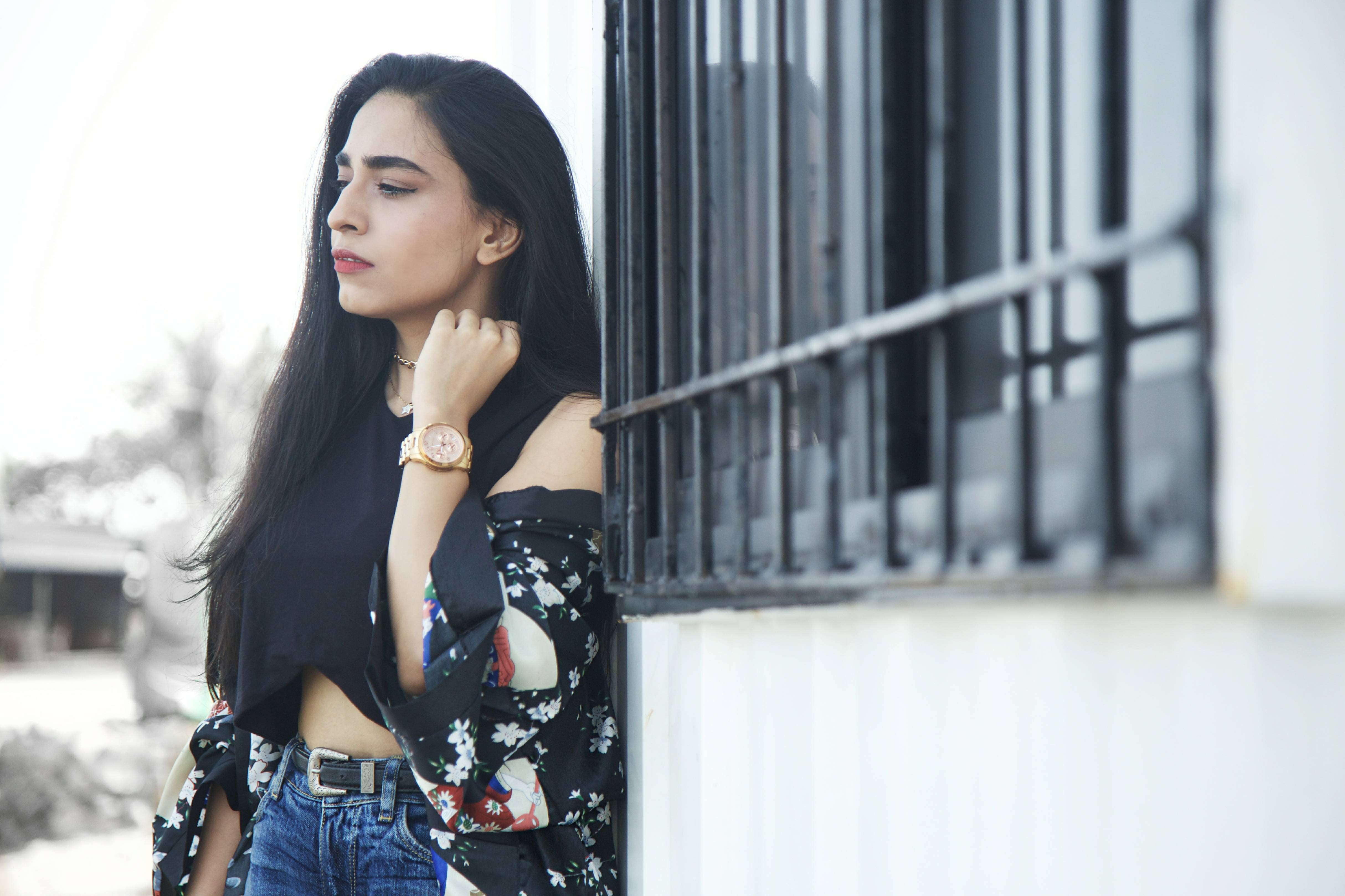 Dark florals, floral kimono, floral print, pink heels, pink mules, basic ootd, spring ootd, summer ootd, what i wore, who what wear, zara , ripped denims, fishnet