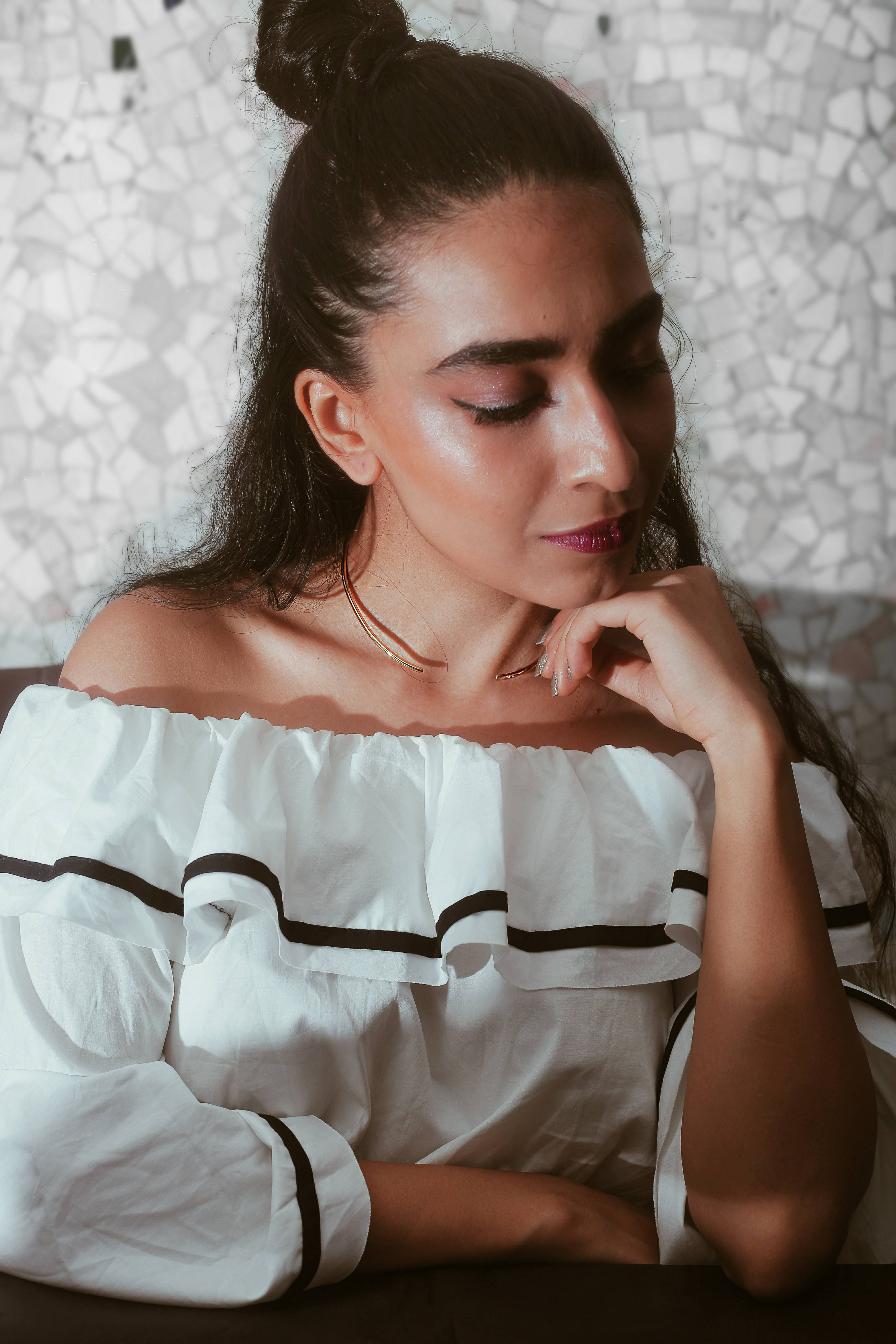 accessories, Earrings, jewelry, statement piece, statement jewelry, jewellery, makeup, editorial shoot, contouring, gold jewelry, minimal, miss match earrings