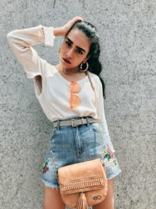 deal jeans, E2O bags, denim shorts, embroidered shorts, jean shorts, floral embroidery, floral shorts, denim cut offs, cut out sweat, cut out blouse, tassel bag, tan sling bag, beige boots, street style, pfw, fashion week, casual look