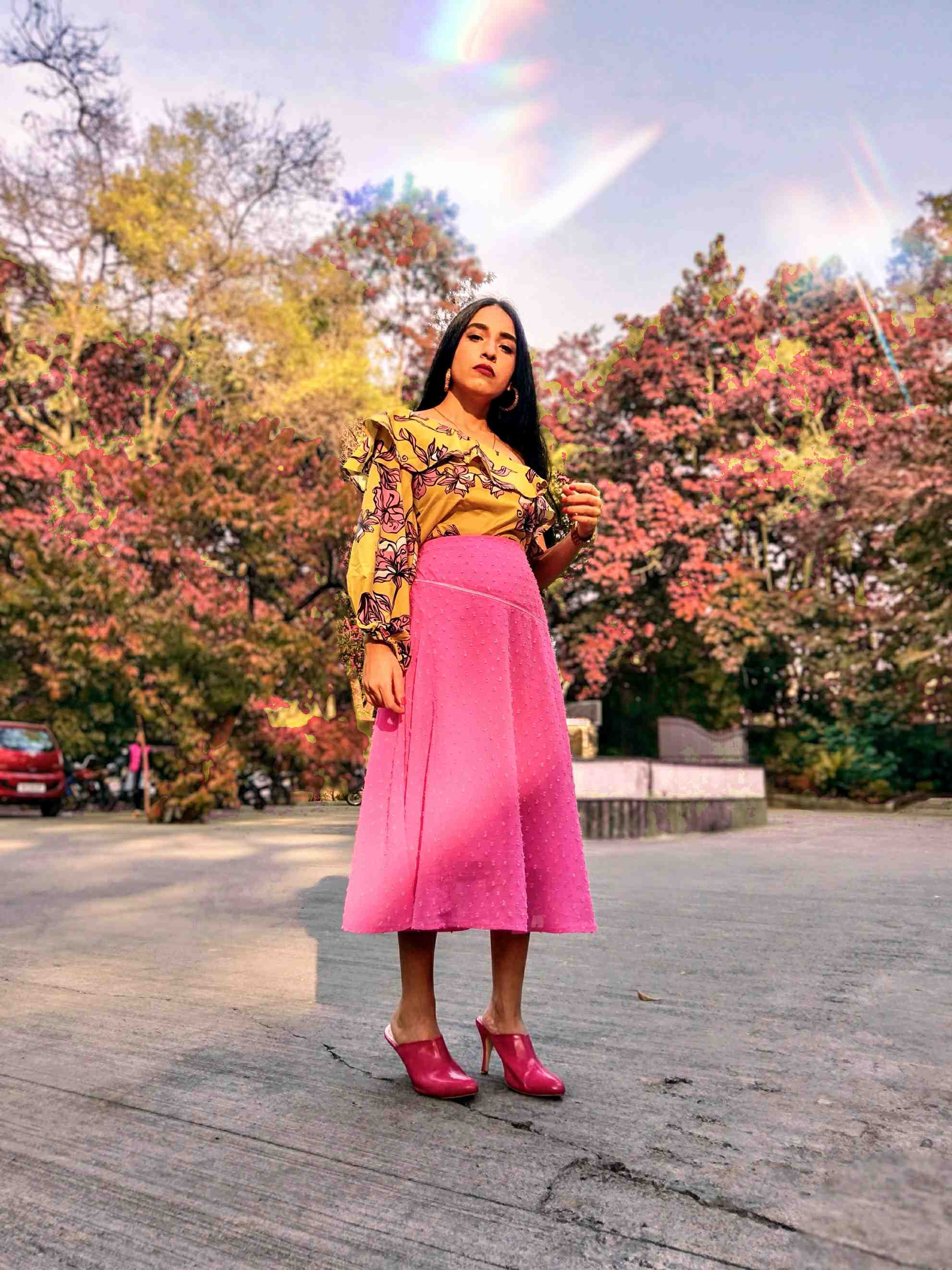 pink skirt, printed bodysuit, yellow on pink , floral prints, pink mules, outfit ideas, ootd, street style