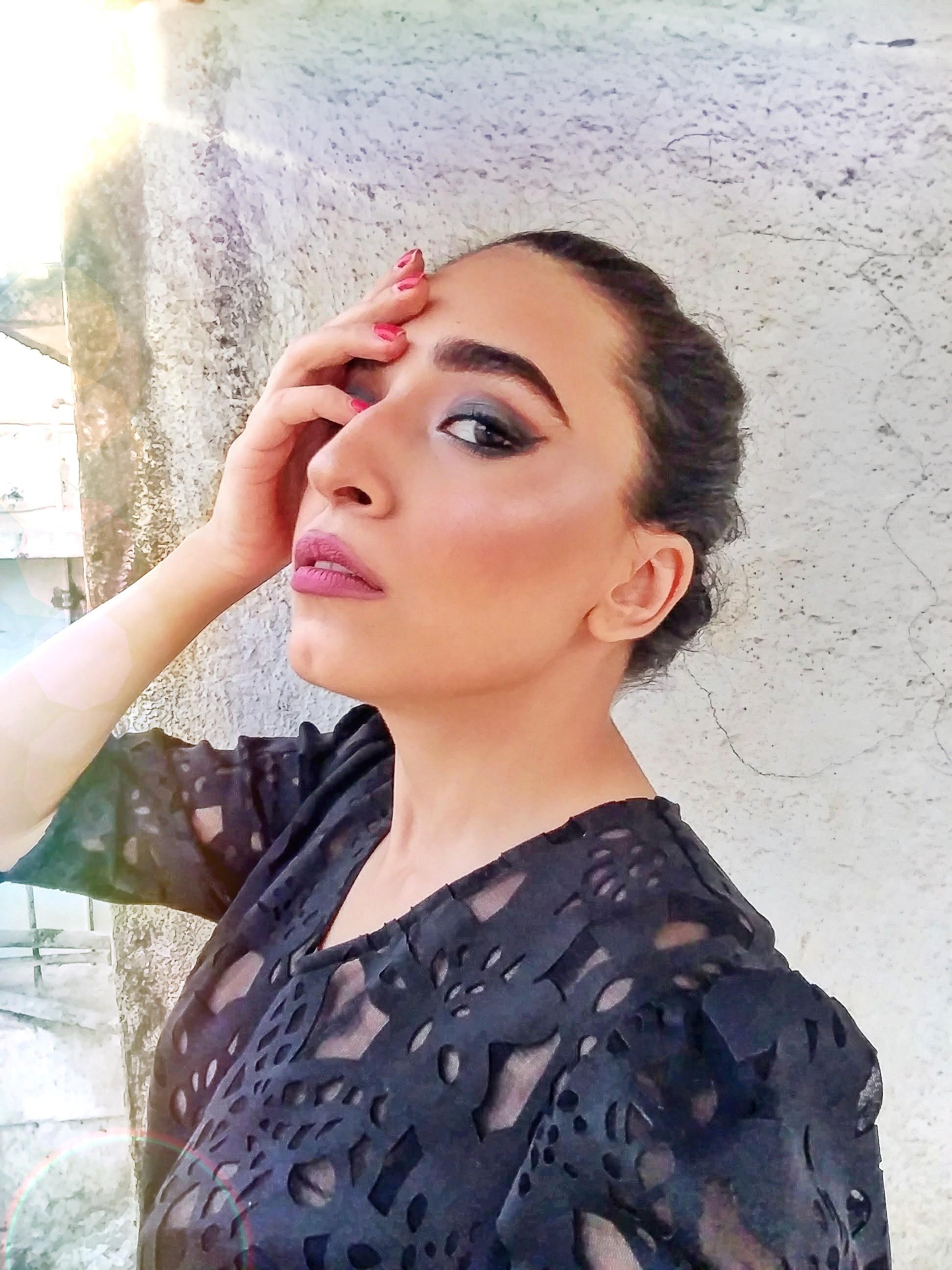 makeup tutorial, eye makeup tutorial, smokey eye, makeup, green eyeshadow, brown eyes, i tried following a make up tutorial